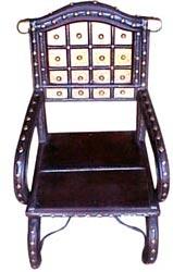 стул - пример индийской мебели