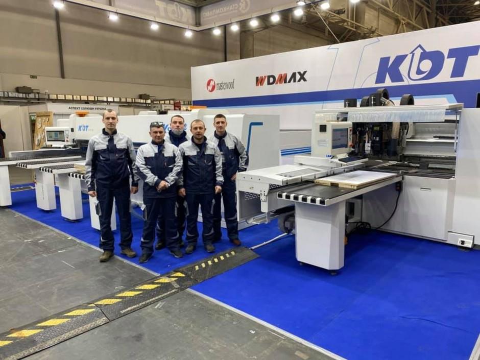 ООО «Станкомплект» является официальным дилером завода-производителя оборудования для изготовления корпусной мебели KDT Machinery в Украине